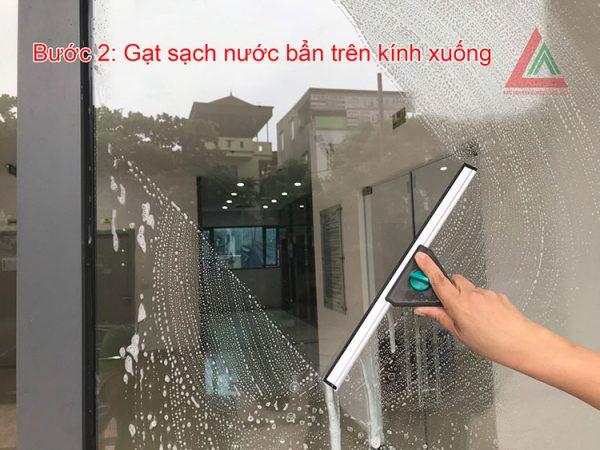 Gạt sạch trong cửa kính